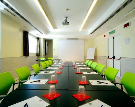 Meeting room Tennis Best Western Globus Hotel, 3 stars in Rome, offers the possibility of different layouts
