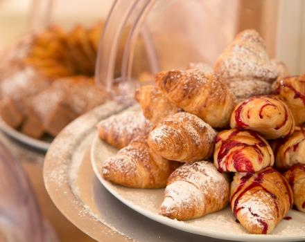 To start the day you need a good dose of energy and sweetness ... At Globus Hotel, Rome in fact know it well!