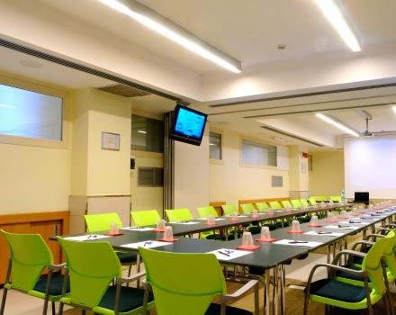 conference room ping with  horseshoe arrangement. Best Western Globus Hotel Rome