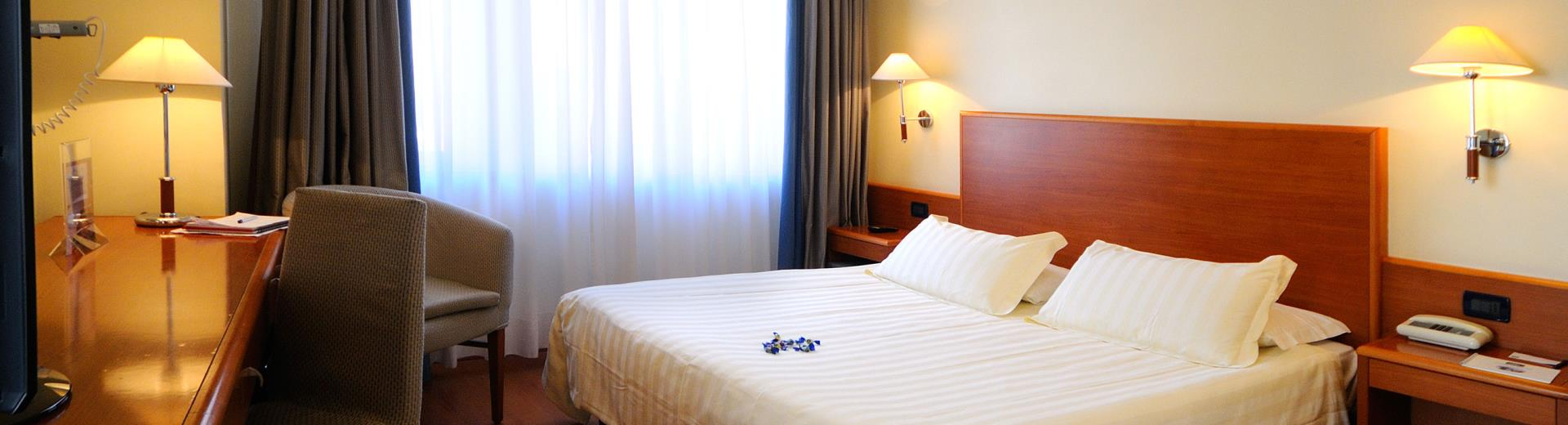 Standard room type Working, Best Western Globus Hotel Rome, 3 stars.