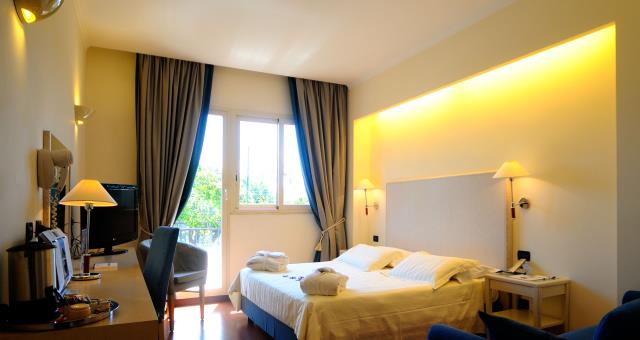 Wide and comfortable rooms for your amazing stay in Rome!