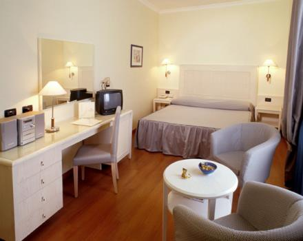 Book/reserve a room in Rome, stay at the Best Western Globus Hotel